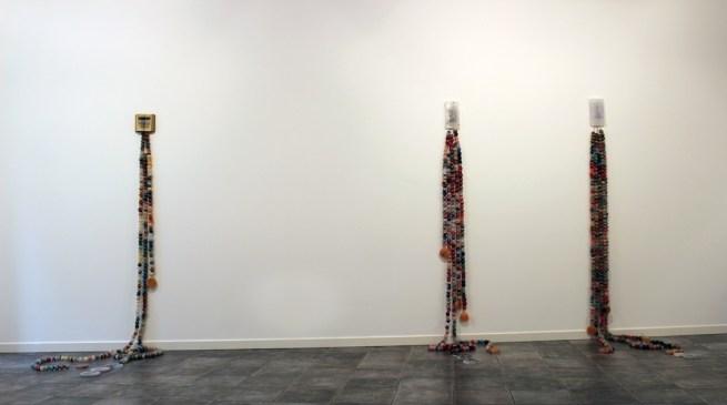 """Angelica Consoli. Persone che abitano la stessa casa, veduta della mostra (serie """"Persone che abitano la stessa casa""""), Galleria Melesi, Lecco"""