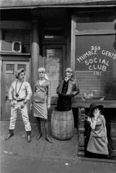 Larry Fink, Fashion shoot, 1966, Archival Inkjet Print, cm 28x35,5. Courtesy Spazio Damiani
