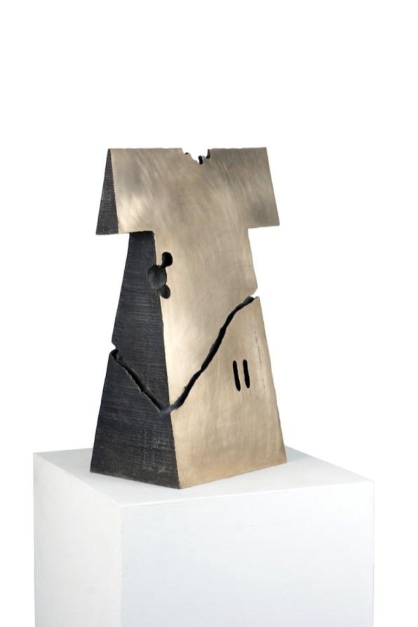 Kengiro Azuma, MU - 774, 1977, bronzo, 70x41.5x25.5 cm Courtesy Lorenzelli Arte, Milano