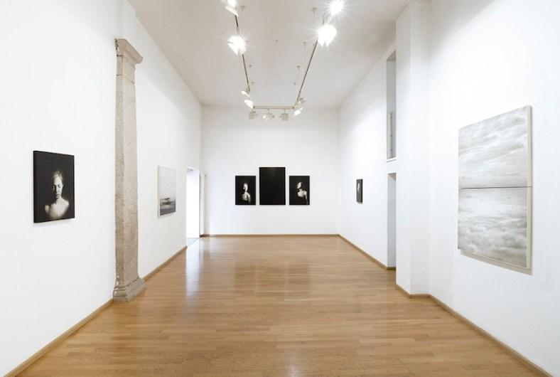 Ettore Frani. Ricucire il cielo, veduta della mostra, Nuova Galleria Morone, Milano Foto Paolo Vandrash