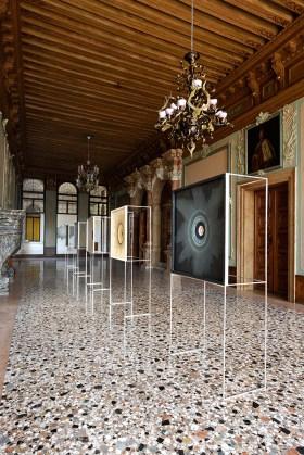 Emil Lukas, veduta installazione a Palazzo Flangini, Venezia. Foto Michele Alberto Sereni. Courtesy Studio la Città, Verona