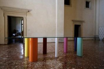 Mondocleto. Il design di Cleto Munari, veduta della mostra (Tavolo Palafitte), Villa Pisani Bonetti, Bagnolo di Lonigo (VI)