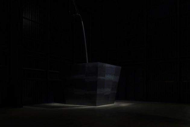 Miroslaw Balka, Wege zur Behandlung von Schmerzen, 2011, veduta dell'installazione, Pirelli HangarBicocca, Milano, 2017 Courtesy dell'artista e Pirelli HangarBicocca, Milano Foto © Attilio Maranzano