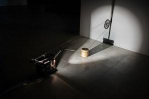 Rosa Barba, Boundaries of Consumption, 2012; veduta dell'installazione, Pirelli HangarBicocca, Milano, 2017. Courtesy dell'artista e Pirelli HangarBicocca, Milano Foto: Agostino Osio