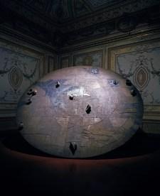 Mimmo Paladino Disco per Beuys, 2004, terracotta e ferro, diametro 500 cm, Fondation Valerio Adami, Parigi Foto Peppe Avallone