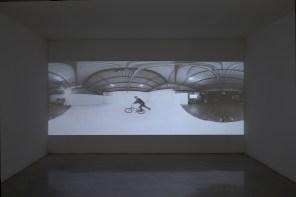 Shaun Gladwell Reversed Readymade 2016, video 16:9, sound, 11:00 min. Foto: Michele Alberto Sereni, Studio la Città, Verona