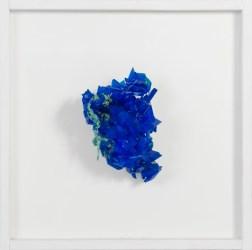 Francesca Romana Pinzari, Cordis, 2016 cristalli di solfato di rame su corda, 50x50 cm Foto Andrea Veneri Courtesy Gilda Contemporary Art, Milano
