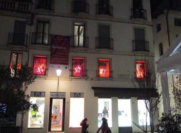 Manuela Bedeschi. Tailormade, veduta dall'esterno della mostra, L'Idea di Amatori Maria Luisa, Vicenza