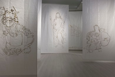 Stefano Arienti, Scena fissa, 2017, telo antipolvere da cantiere e pittura Courtesy dell'artista
