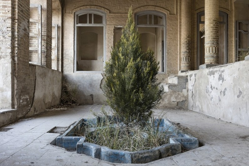 Gohar Dashti, Home #1, 2017, archival digital pigment print, 80x120 cm edition of 10, 50x75 cm edition of 15 Courtesy the artist and Officine dell'Immagine, Milan