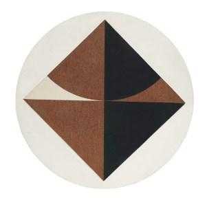 Carlo Ciussi, [Senza titolo], 1969, olio e tecnica mista su tela e legno, ø 70x2 cm © A arte Invernizzi, Milano Foto Bruno Bani, Milano