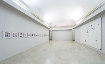 Giuseppe Stampone. Perché il cielo é di tutti e la terra no?, veduta della mostra, CIAC Centro Italiano Arte Contemporanea, Foligno (FG)