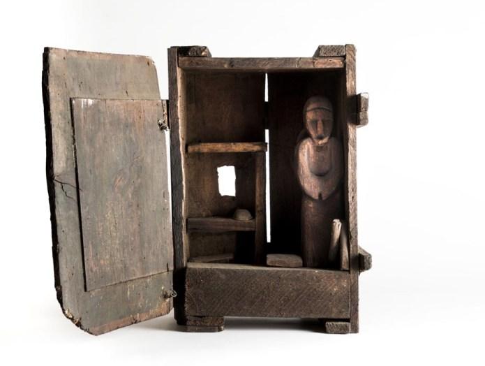 Franca Ghitti, L'abitacolo dell'eremita, 1976, legno e fili di ferro, 47x35x20 cm Archivio Franca Ghitti, Cellatica Foto Fabio Cattabiani