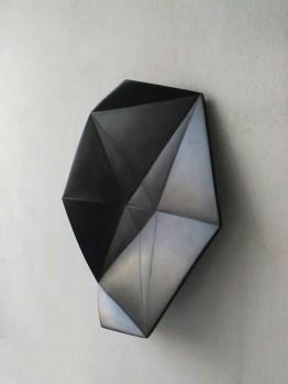 Vincenzo Marsiglia, Fold Star Black, 2017, marmo nero del Belgio, cm 50 ø. Courtesy: Priveekollektie Contemporary Art | Design