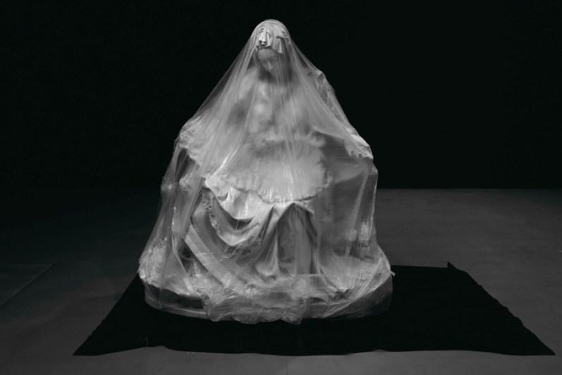 Fabio Viale, Souvenir Pietà (Madre) Foto Nicolò Taglia