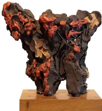 Leoncillo Leonardi Senza titolo (Scultura con gocce rosse), 1959, Grés e smalti 30x27x11 cm, collezione privata, Umbertide