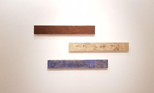 "Antonio Ambrosino, ""nosce te ipsum"", 2018, 10x70 cm (3 pezzi) acrilico, sabbia, terra e resina su carta d'Amalfi"