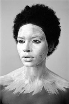 Delphine Diallo, The One, 2013, Analog, cm 50x75, edizione Edizioneof 8, courtesy Fisheye Gallery