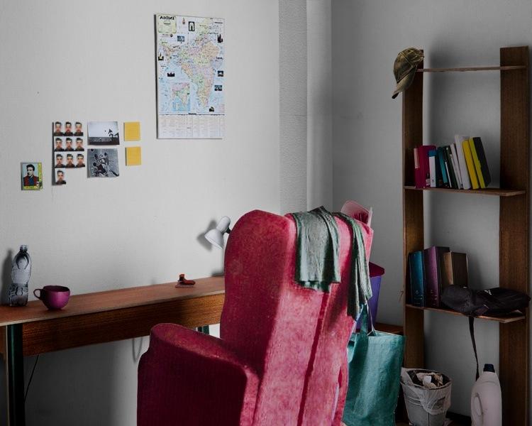Teresa Giannico, Lay Out #11, dalla serie Lay Out, stampa inkjet su carta Bright White, cm 30x40 © Teresa Giannico Courtesy Viasaterna