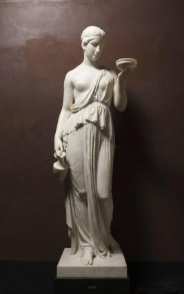 Bertel Thorvaldsen, Ebe, 1819–1823, marmo, 156.5x51.2x59.5 cm, Copenaghen, Thorvaldsens Museum,www.thorvaldsensmuseum.dk