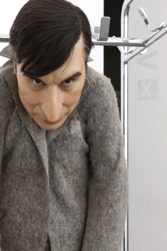 Maurizio Cattelan, La rivoluzione siamo noi, 2000, acciaio, cera e legno, 190x47x52 cm, Fondazione Sandretto Re Rebaudengo, Torino