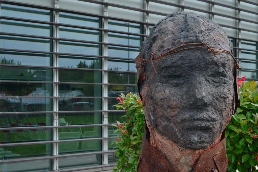 WA22, 33, 2020, cemento e ferro, 85x60x40 cm (Ospedale San Gerardo)