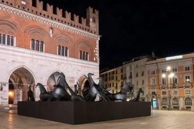 PaladinoPiacenza, veduta dell'installazione, Piazza Cavalli, Piacenza ©️ Lorenzo Palmieri 2020