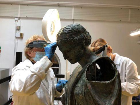 Vittoria Alata, restauro all'Opificio delle Pietre Dure, Archivio fotografico dell'Opificio delle PietreDure di Firenze