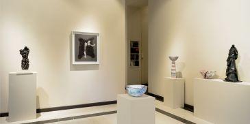 Ritorno al Barocco. Fontana Leoncillo Melotti, installation view, ML FINE ART Matteo Lampertico, Milano Photo Daniele De Lonti