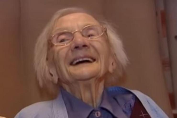 SVAKO JUTRO POJEDITE ZOBENU KAŠU, A SA MUŠKARCIMA MORATE OVAKO! Baka (109) ima RECEPT za DUG život!