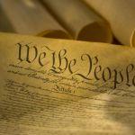 Încălcarea contractului social sau cauza comună a valurilor de protest din lume