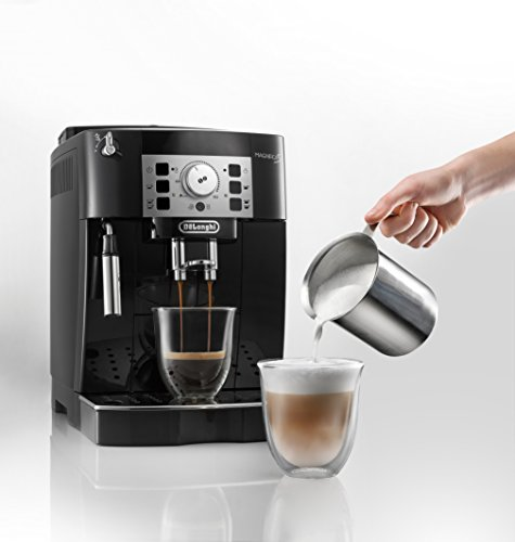 Best latte machine: Delonghi ECAM22110B Super Automatic Espresso, Latte and Cappuccino Machine