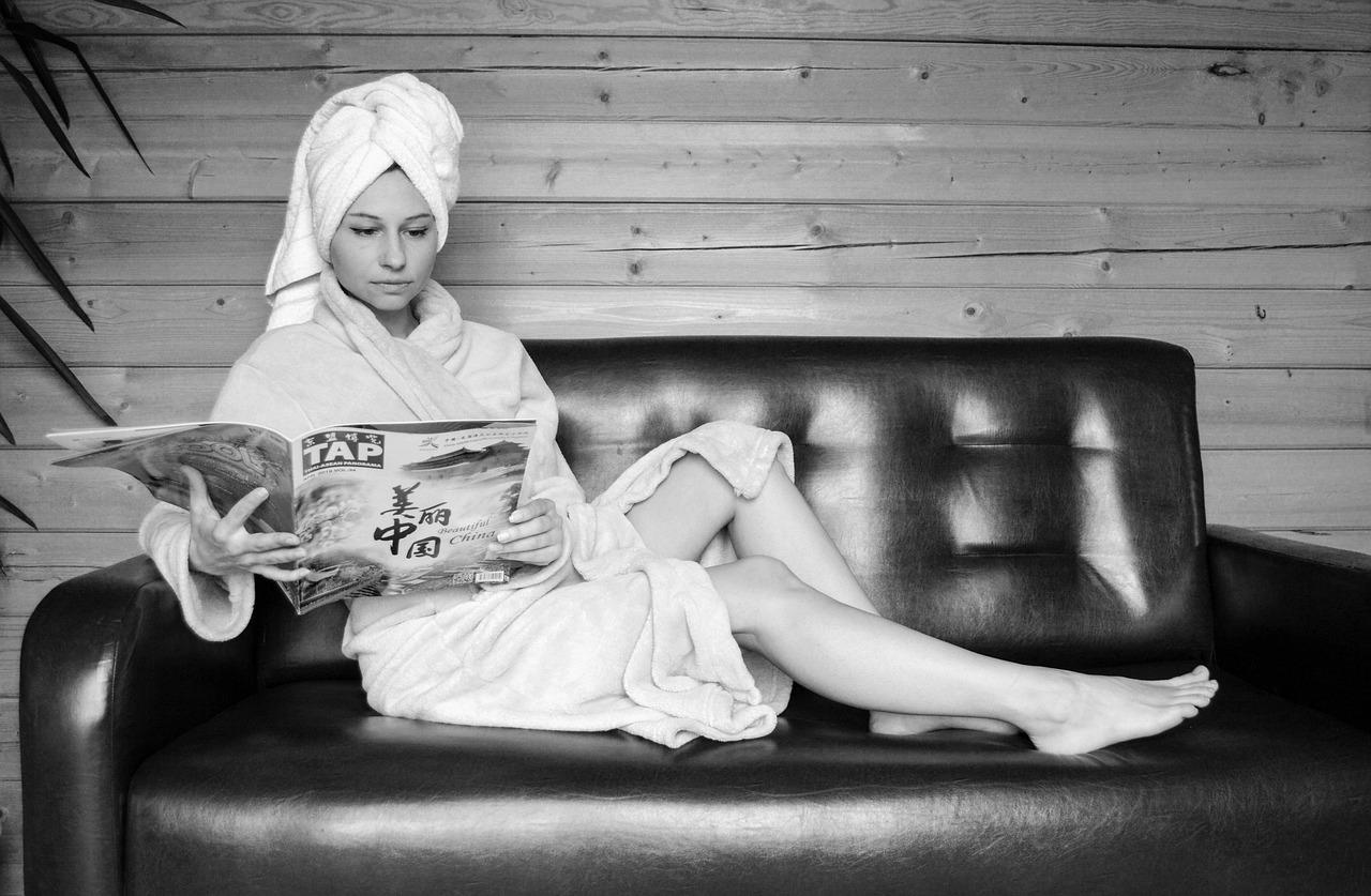Robe After A Shower Vacation  - Victoria_Borodinova / Pixabay