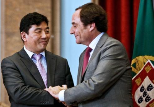 EDP: Estado chinês ganha 400 mil por dia   Esquerda