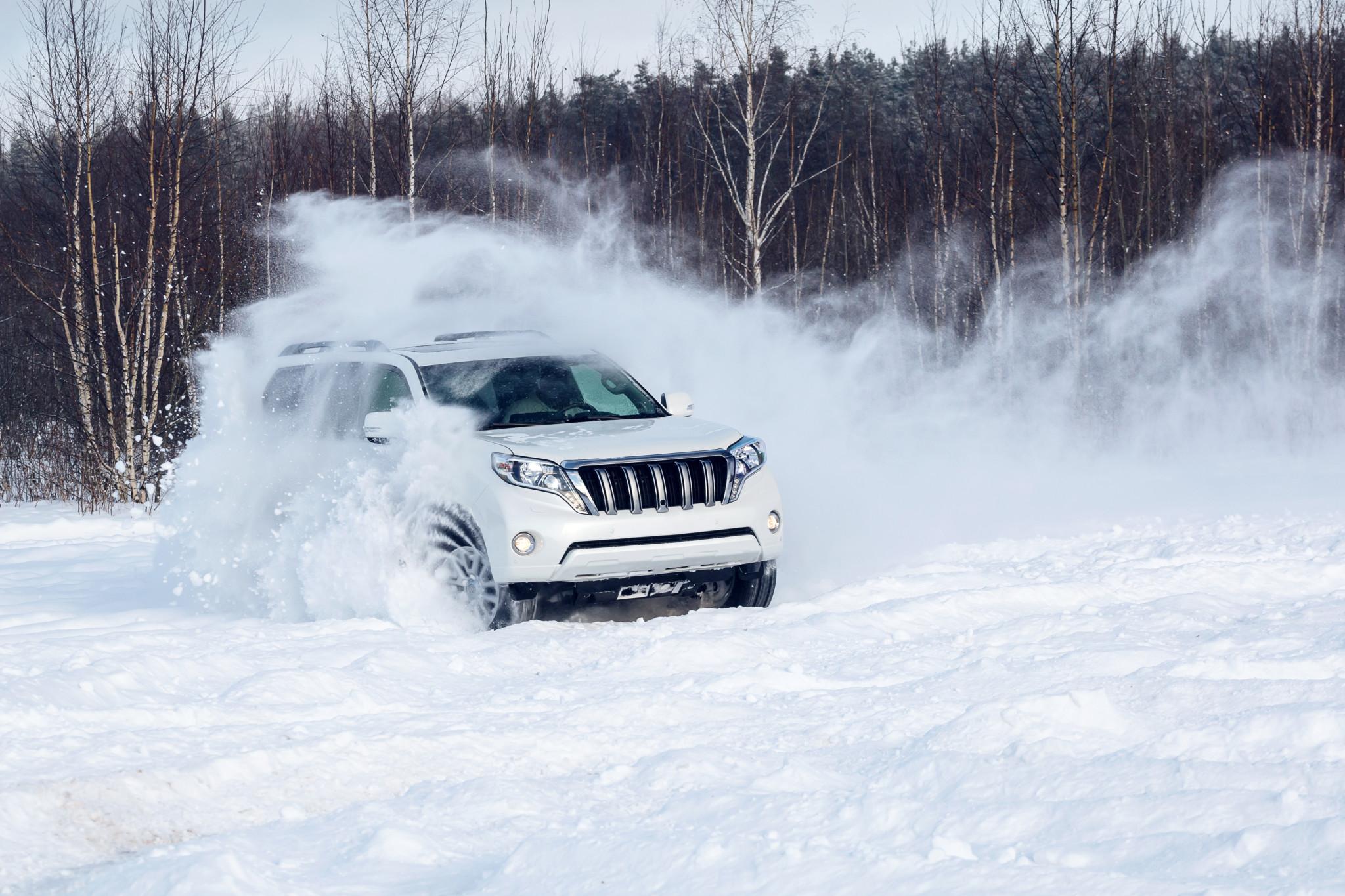 perder-el-control-conducir-en-la-nieve