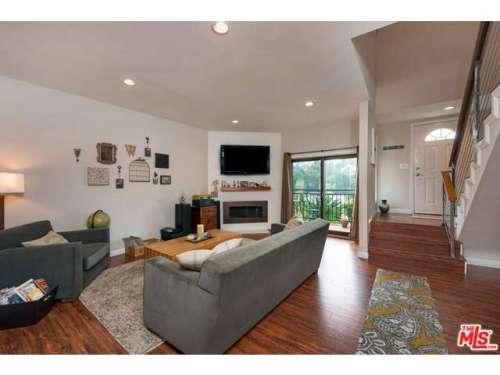 Esquire Real Estate Brokerage $600k in la Townhome