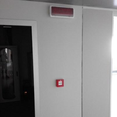 segnale pulsante allarme antincendio