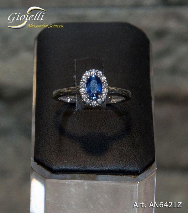 AN6421Z - Anello in oro bianco con diamanti e zaffiro blu naturale