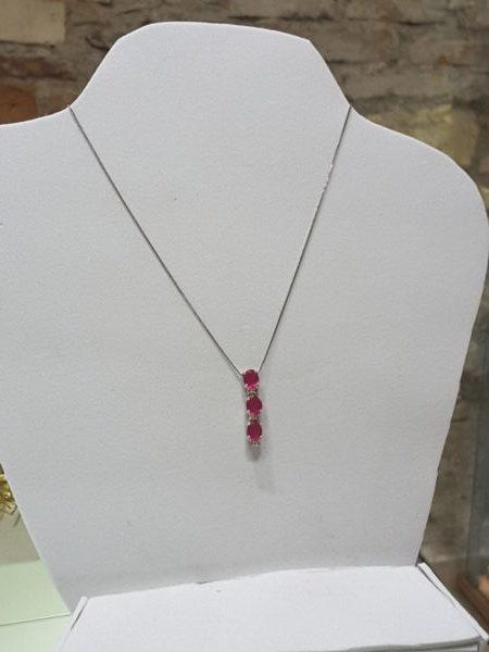 Collana Pendente con rubini e diamanti
