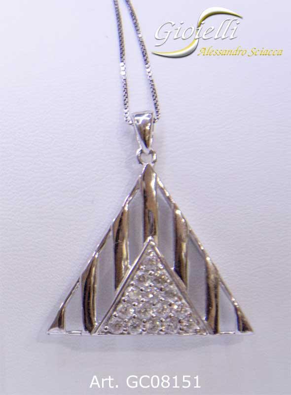 Girocollo in argento con pendente a forma di triangolo