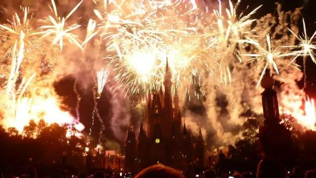 Show de fogos no Castelo da Cinderela - Magic Kingdom - Disney