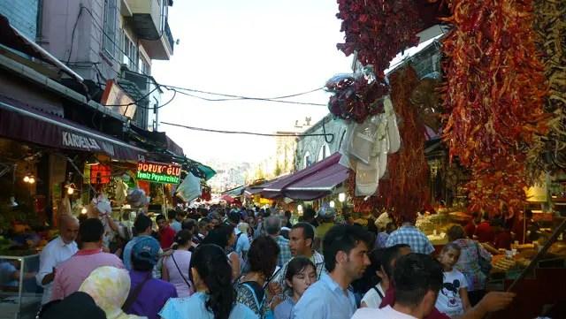 Hasırcılar Caddesi - Bazar de Especiarias (Foto: Esse Mundo É Nosso)