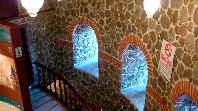 Interior da Torre de Galata - Istambul (Foto: Esse Mundo É Nosso)