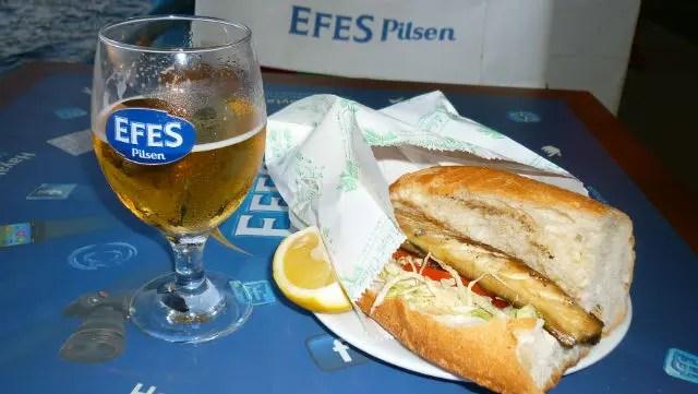 Sanduíche de peixe - balık ekmek (Foto: Esse Mundo É Nosso)