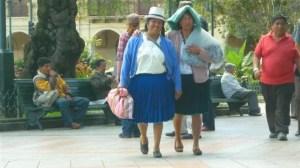 Cholas no Parque Abdón Calderón - Cuenca, Equador (Foto: Esse Mundo É Nosso)