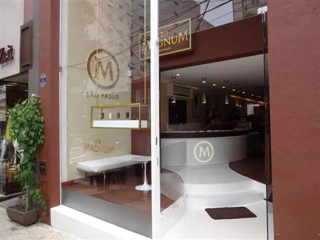 Rua Oscar Freire - Magnum Store (Foto: Esse Mundo É Nosso)