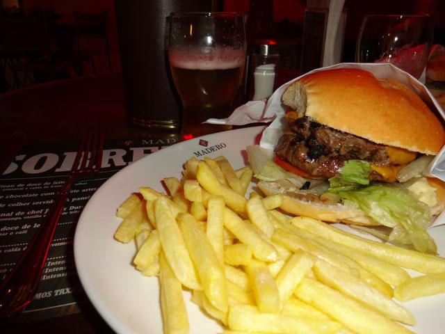 Cheeseburger de Cordeiro - Madero Burger, Curitiba (Foto: Esse Mundo É Nosso)