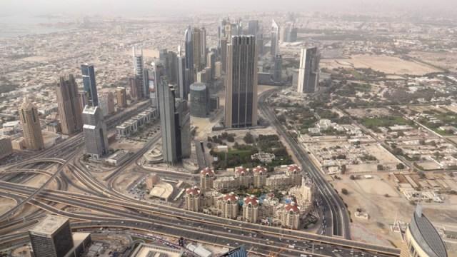 Visita ao Burj Khalifa, o prédio mais alto do mundo (Foto: Esse Mundo É Nosso)