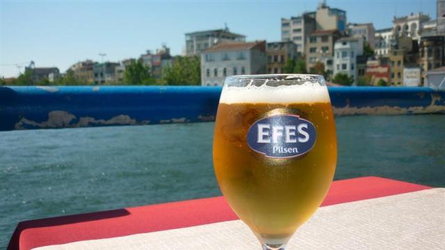 Cerveja Efes (Foto: Esse Mundo É Nosso)