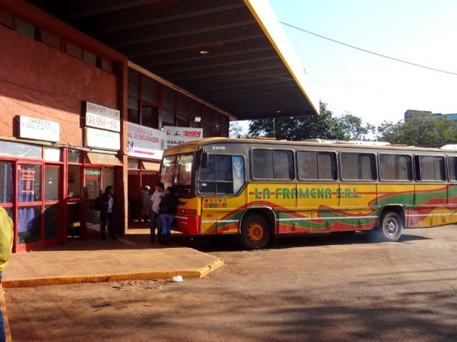 Viajar de ônibus no Paraguai é teste de paciência (Foto: Esse Mundo é Nosso)
